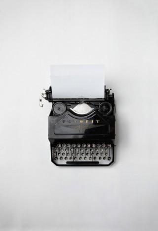 Schreibmaschine1-698x1024-320x469