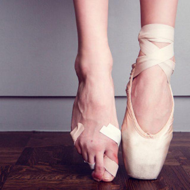 Ballet-Dancer-Feet-3